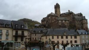 The chateau at Estaing on a wet day